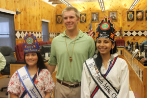 Stubbs (center) meets with Junior Miss Cherokee Aliyah Bigmeat and Teen Miss Cherokee Bradley Welch. (SCOTT MCKIE B.P./One Feather)