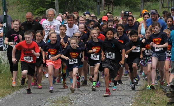 Cherokee Choices hosted the annual Mother's Day 5K and Dialysis Patient Fundraiser at the Kituwah Mound on Saturday, May 9.  Over 100 people, including 95 runners, came out for the event.  (SCOTT MCKIE B.P./One Feather photos)